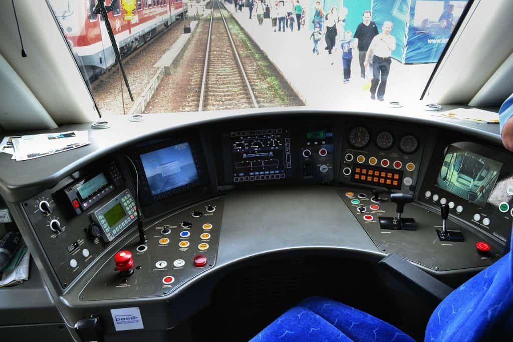 how to become a train engineer